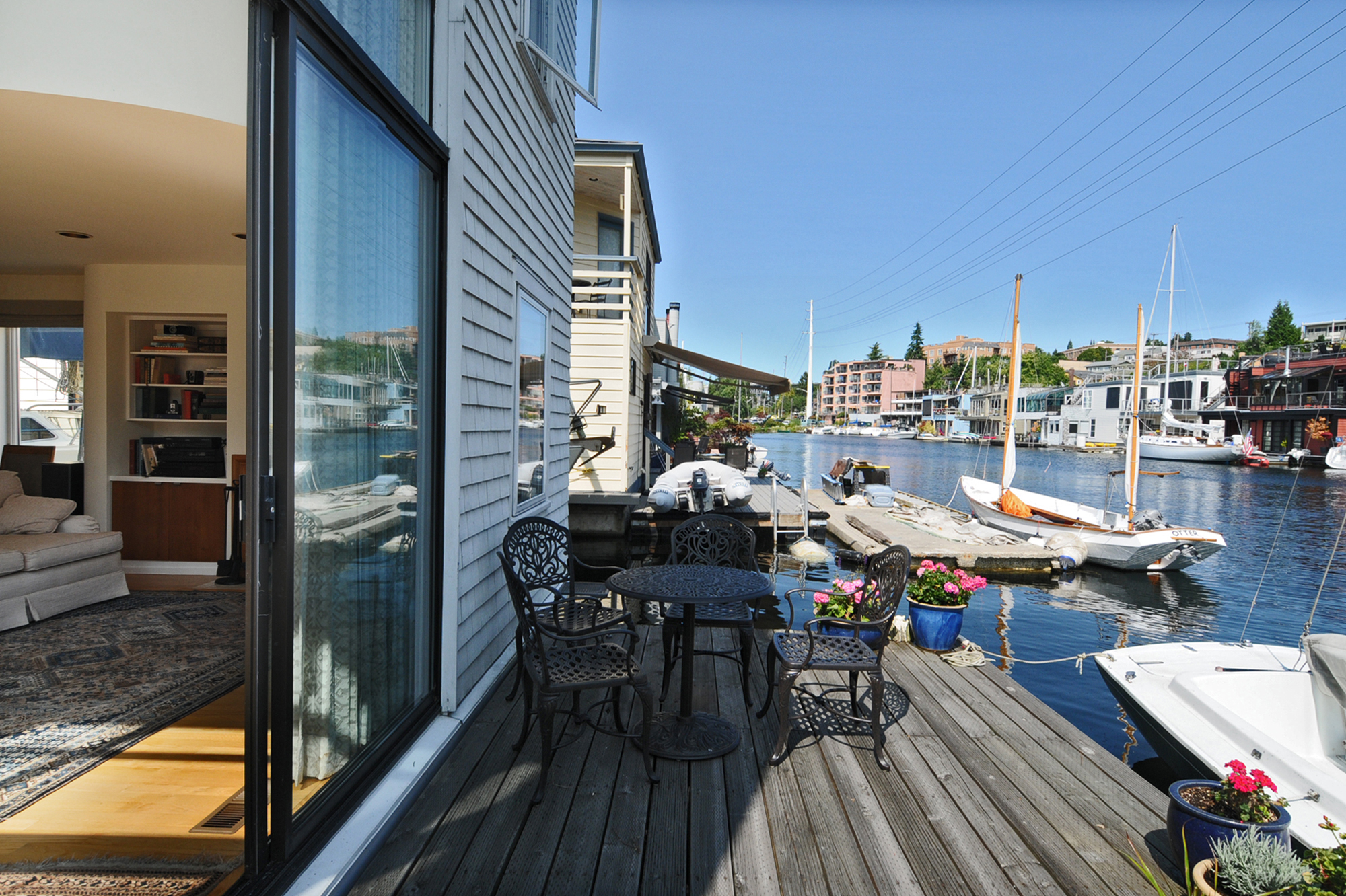 Do You Have Questions About Seattle Houseboat Living℠?